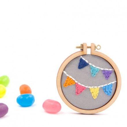 bunting-embroidery-mini-hoop-brooch-australia-handmade-dandelyne