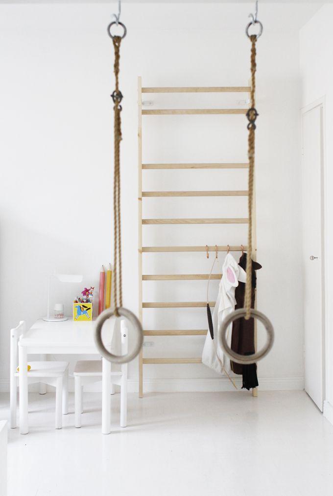 Kids room - Indoor climbing wall and swing - Varpunen