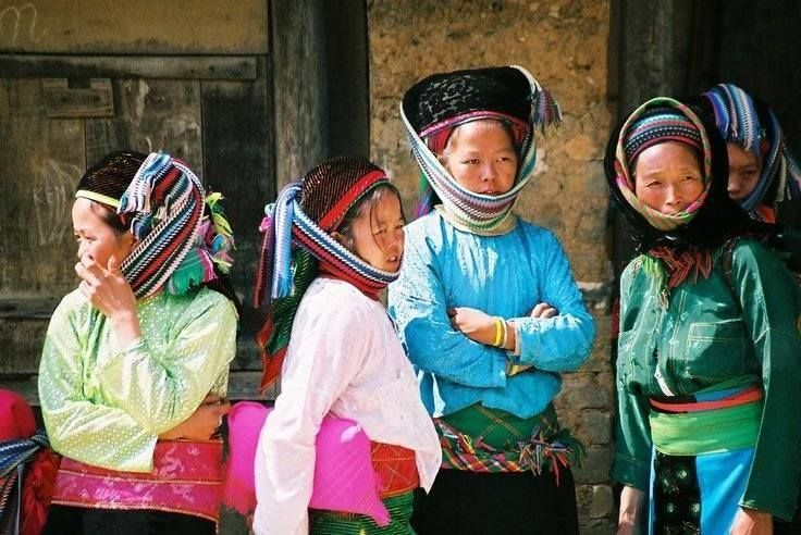 Check out the exciting Vietnam holiday packages We at Vietnamese Private Tours offer well designed Vietnam holiday packages for our travelers. With us at your service, you can view some of the beautiful Vietnam tourists' attractions with ease and comfort.