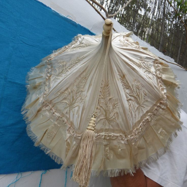 ANTIQUE VICTORIAN HAND EMBROIDERED SILK & SATIN PARASOL WITH CARVED BONE HANDLE