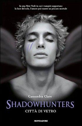 Titolo: Shadowhunters - Città di vetro | Autore: Cassandra Clare | Genere: Urban Fantasy | Voto: 5 stelle /su 5 | Leggi la recensione: http://dolcieparole.blogspot.it/2015/01/shadowhunters-citta-di-vetro.html