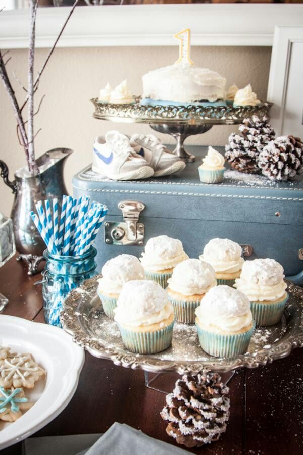 Winter Party The Blue Added In Is A Good Idea For A Baby Boy Baby Shower