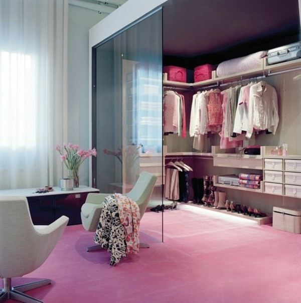 The best of luxury closet design in a selection curated by Boca do Lobo to inspire interior designers looking to finish their projects. Discover unique walk-in closet setups by the best furniture makers out there