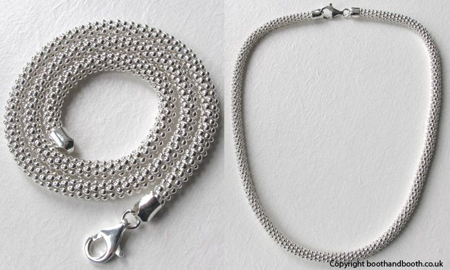 This Italian sterling silver popcorn necklace will never be in the jewellery box....always around your neck!
