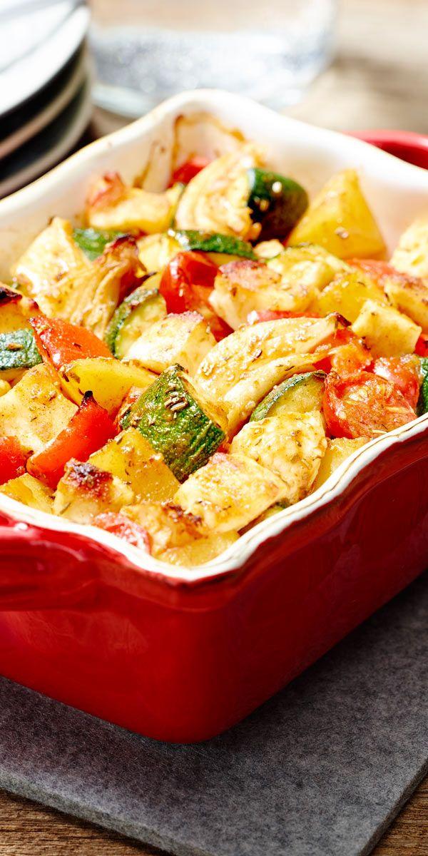 Ein toller sommerlicher Gemüseauflauf mit Zucchini, Tomaten, Paprika und Halloumi, einfach lecker!