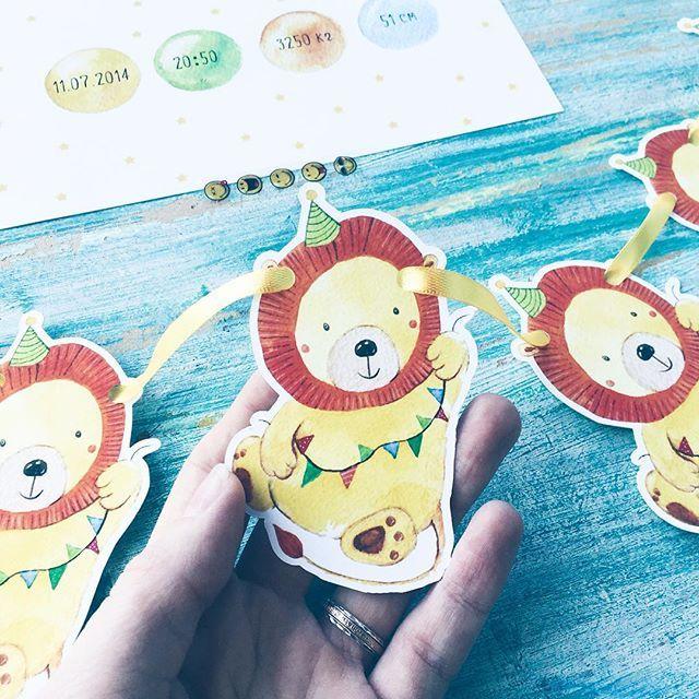 Тема декора не даёт мне покоя уже почти 2 года. Я все время её откладывала периодически выполняя заказы. И вот наконец я созрела и создала @baby_prosh декор для детей и любящих родителей💛 Я делаю метрики, гирлянды и праздничные наборы со своими иллюстрациями, кому интересно подписывайтесь 😉 #baby_prosh_decor #prokhorovaart #акварель #иллюстрация