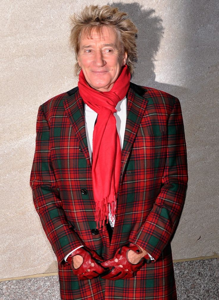 Veteran rocker Rod Stewart has received a knighthood in the Queen's annual Birthday Honours List. Nobody rocks #tartan quite like yer man Rod!
