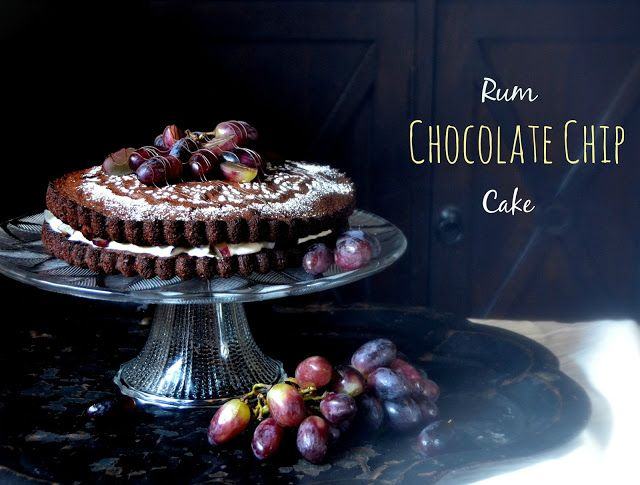 Rum chocolate chip-cake.  http://herkkuhovi.blogspot.fi/2015/10/helppo-rommi-suklaahippukakku.html