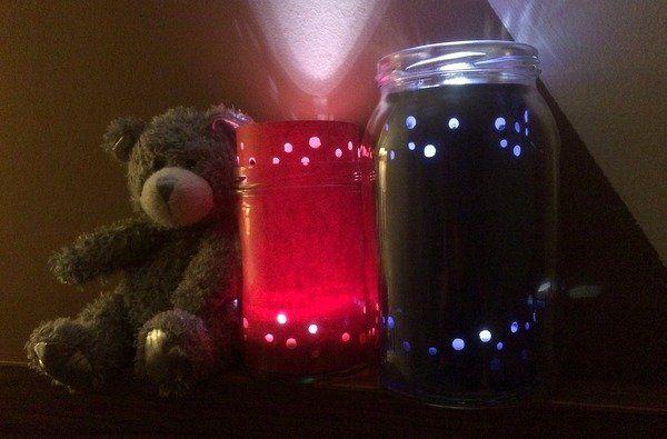 Csináld magad: egyszerű éjjeli fény 5 perc alatt http://www.nlcafe.hu/otthon/20150211/ejjeli-feny-csinald-magad/
