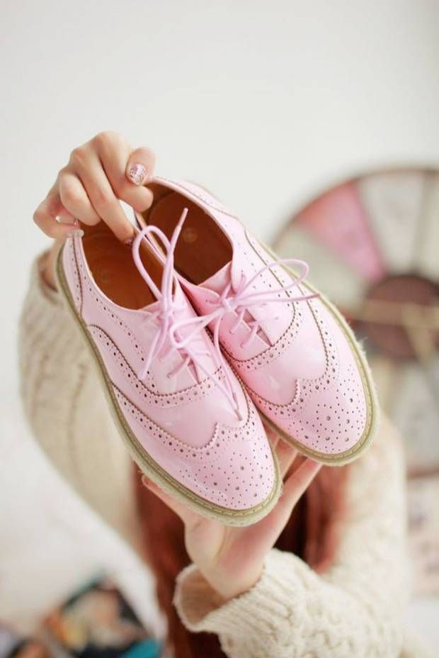 Sélection de derbies pour le printemps - Pink brogues