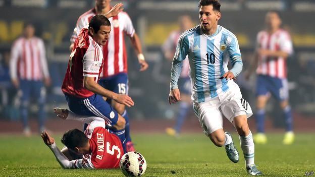 Gran noche de Messi, tres asistencias en el #Arg. 6-1 #Par. Copa America 2015.
