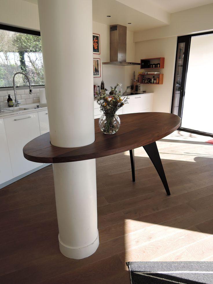 mobilier sur mesure table ovale pivotante autour d 39 un poteau r alisation artmeta. Black Bedroom Furniture Sets. Home Design Ideas