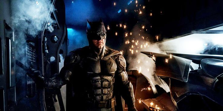 Zack Snyder unleashes a first official look at Batman's tactical suit on Justice…