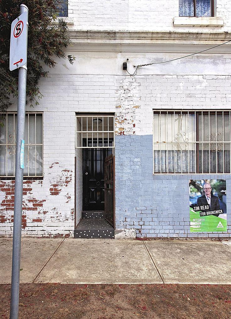 Beci & Raph's ArtFilled Home in Australia House design
