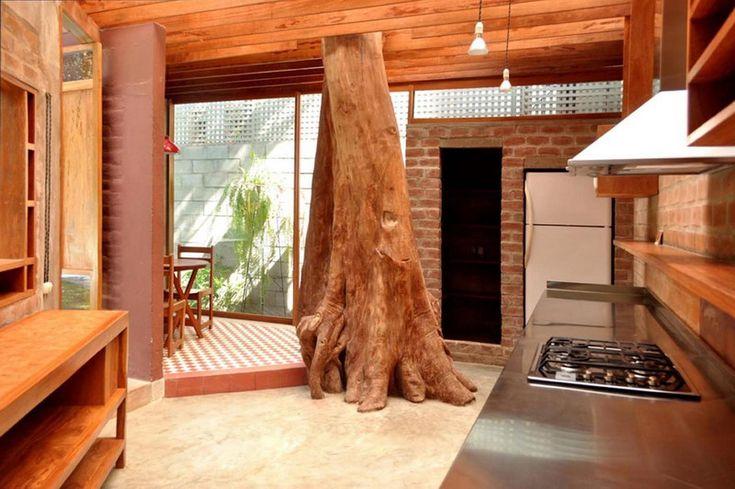 Вот представьте. Есть у вас большой участок земли, например в районе Мирафлорес, Лима, Перу. Замечательный участок с садом, бассейном и бунгало. А в бунгало есть и гостиная, и спальня, и ванная комната. Но чего-то точно не хватает для комфортной...