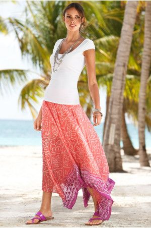 Nothing like a flowy maxi for an evening at the beach #cruiseoutfitssummer