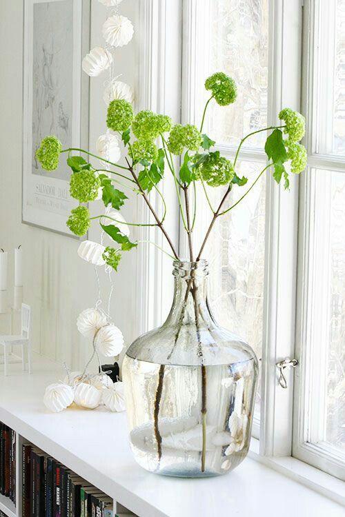 Grote vaas en takken/bloemen idee