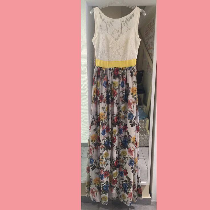 #Maxi_floral_dress_with_lace. Διαθέσιμο στο www.primadonna.com.gr
