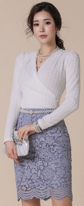 StyleOnme_Scallop Hem Floral Lace Pencil Skirt #skyblue #lace #elegant #pencilskirt #koreanfashion #kstyle #kfashion #dailylook #springtrend
