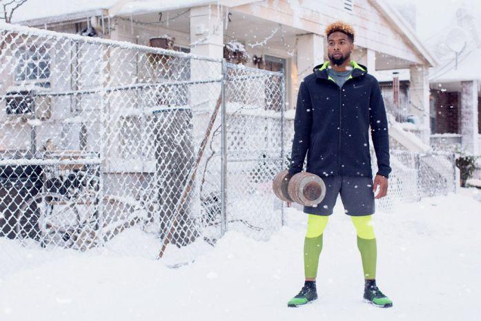Gary Land maakt heel bijzondere bijna fantasie achtige foto's. Van vooral sporters maar soms ook voor echte fantasie merken, games etc. Hij gebruikt vaak donkere achtergronden, en beweging waardoor het een extra duister en eigenzinnig beeld geeft. Het was moeilijk om tussen zijn werk keuzes te maken omdat alles goed was. Snow Day Nike Reclame fotograaf: Gary Land