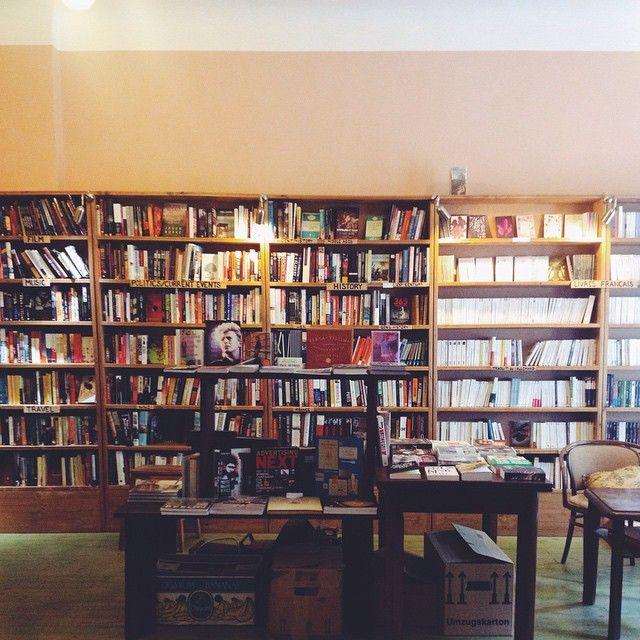 Er det muligt med for mange billeder fra hyggelige boghandlere... Nej, vel? Her er derfor et til billede fra Shakespeare and Sons i Berlin.