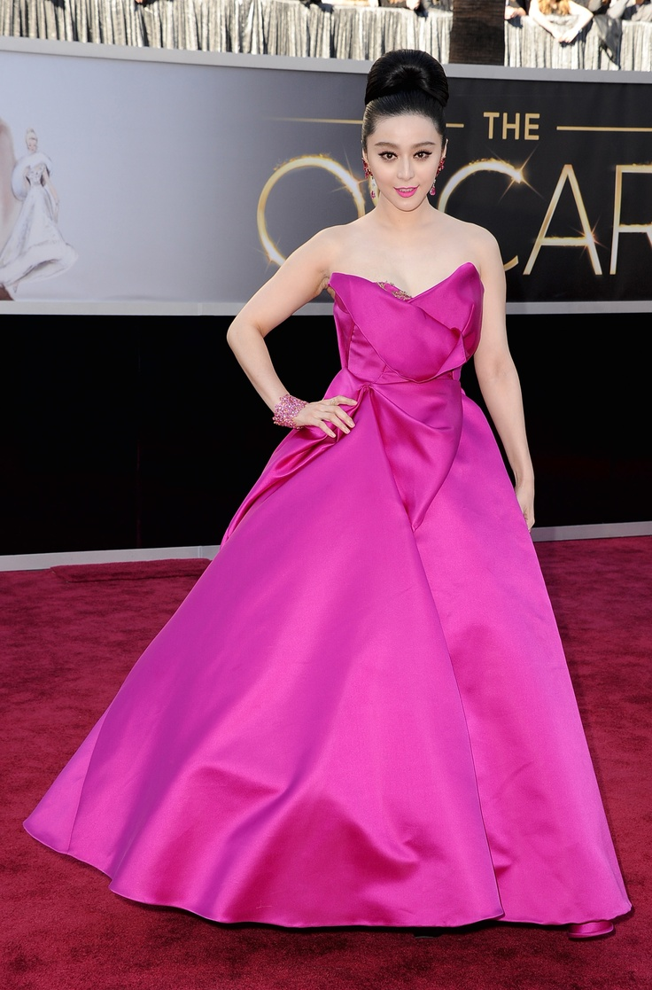 #FanBingBing can brighten up any red carpet! Oscars 2013. GettyImages: Thoughts, Oscar 2013, News, Color, Red Carpet, Stylists, Academy Awards, Carpet Fever