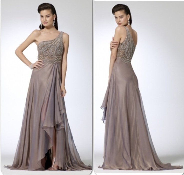 Шифоновое дымчатое платье. Верх платья покрыт крупными и мелкиим стразами. Топ с чашками. 22 000