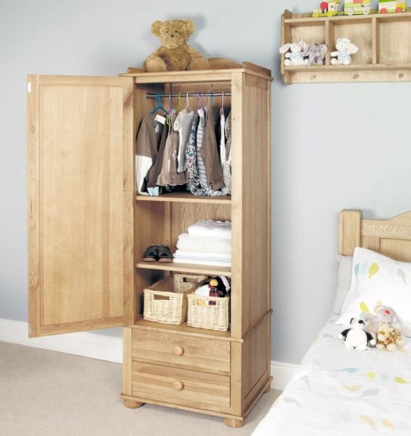 Baumhaus Amelie Oak Childrens Wardrobe - Single #sinlewardrobe #childrenwardrobe #wardrobe #oakwardrobe
