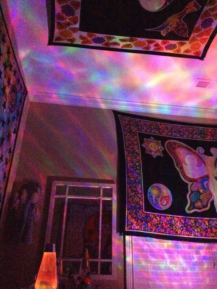 Decorating Ideas > 1000+ Ideas About Stoner Room On Pinterest  Stoner  ~ 173611_Trippy Dorm Room Ideas