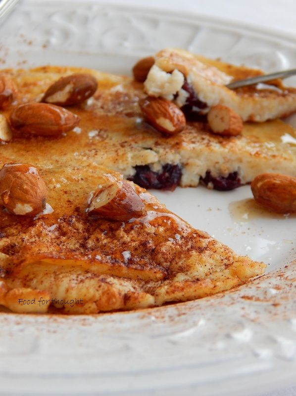 Egg white and oatmeal protein pancake http://laxtaristessyntages.blogspot.gr/2015/10/egg-white-and-oatmeal-protein-pancake.html