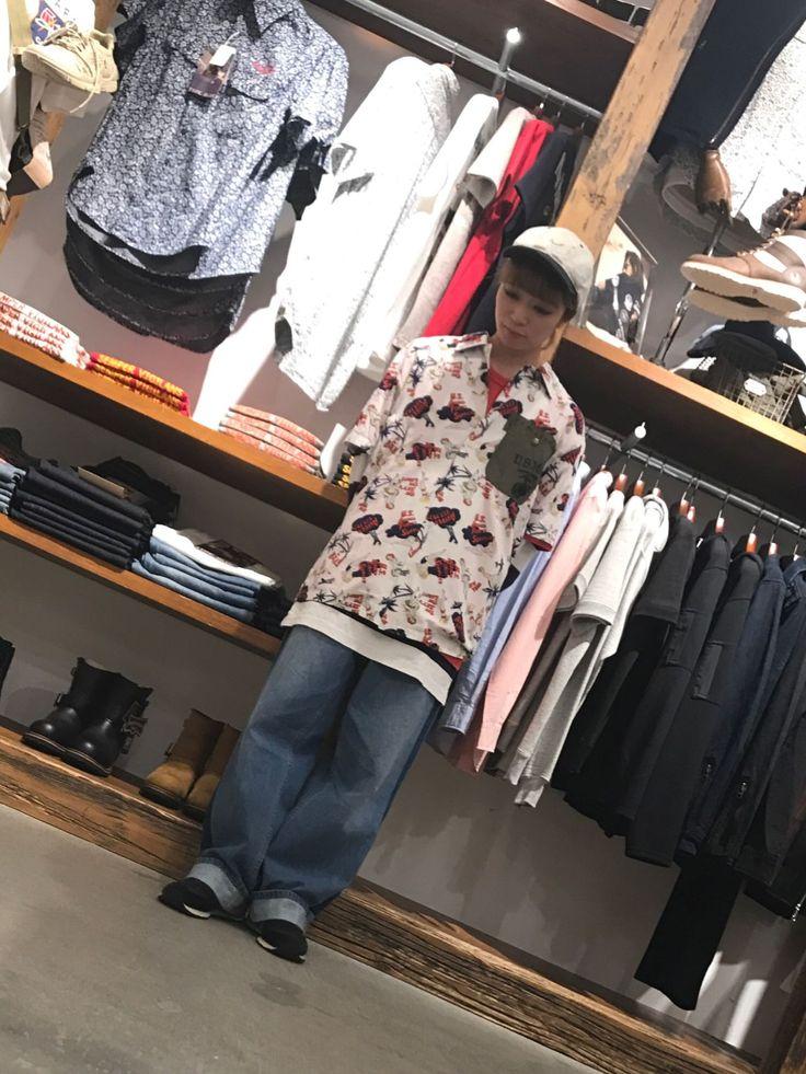 AVIREX梅田店/CUSTOM ALOHA SHIRT 夏といえば、アロハシャツ❗️ オーバーサイズでメンズサイズを着てみました。  スタッフ身長 155cm 着用サイズ  メンズ L