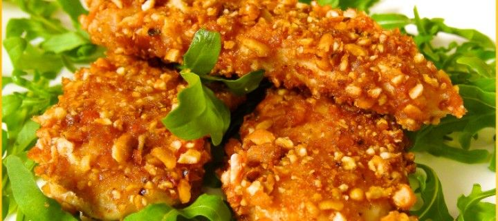 Pollo crujiente rebozado con kikos (maíz frito) http://noticiasdiarias.com.ve/2015/01/pollo-crujiente-rebozado-con-kikos-maiz-frito/