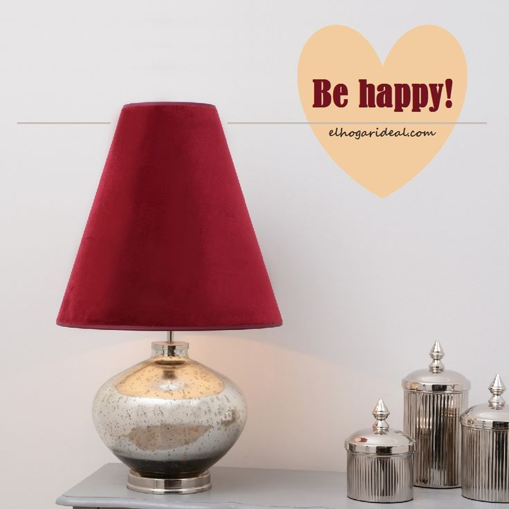 Tulipa granate de terciopelo con pie de cristal tratado. Esta es la belleza de nuestra lámpara de lectura pensada para hacerte feliz. http://elhogarideal.com/es/iluminacion/1074-lampara-de-lectura-brime.html#.ViyQAvkve1s