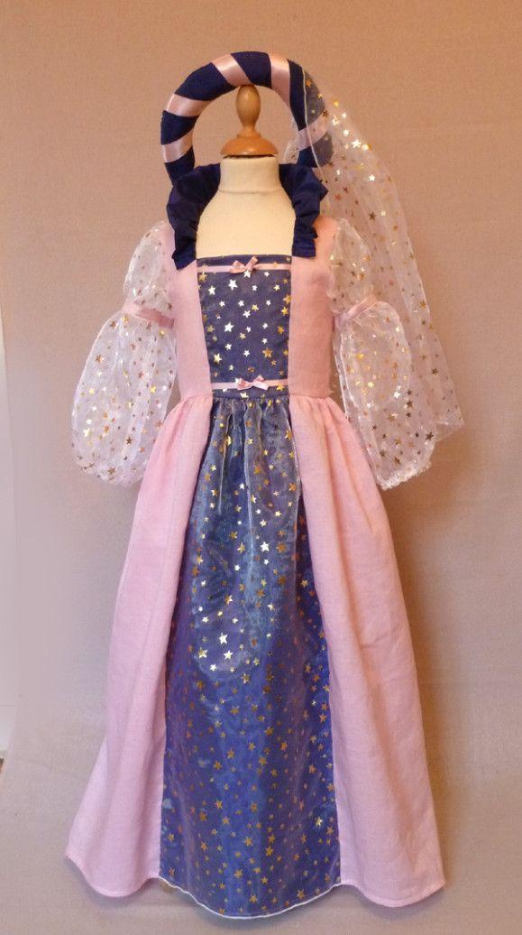 deguisements - Création et confection de vêtements sur mesure et d'accessoires personnalisés. robes de cocktail et de soirée, robes de mariée, cortèges.