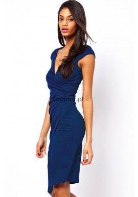 Niebieska midi sukienka  Kreacja na każdą okazję, czyli elegancka, spokojna sukienka dla stylowych kobiet