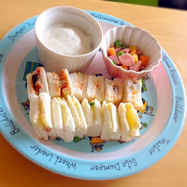 ・サンドイッチ(ラタトゥイユ・ポテトサラダ) ・ミックスベジとハム ・バナナヨーグルト - 10件のもぐもぐ - 息子・サンドイッチランチ by eri6812