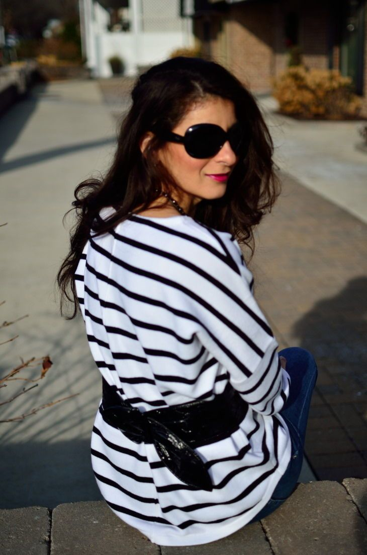 4126071b29 Stripe print is a staple fashion trend - Stripe sweater black and white striped  sweater - Sweater outfit - oversized sweater- How to wear oversized black  ...
