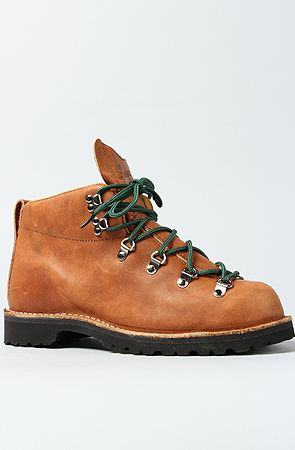 Danner  The Mountain Trail Boot in Light Brown