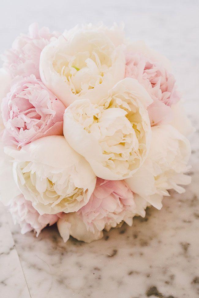 Couldn't adore this cream and pink wedding bouquet more if we tried! Tented Italian Wedding Amalfi Coast Villa Eva via @StorybrdWedding