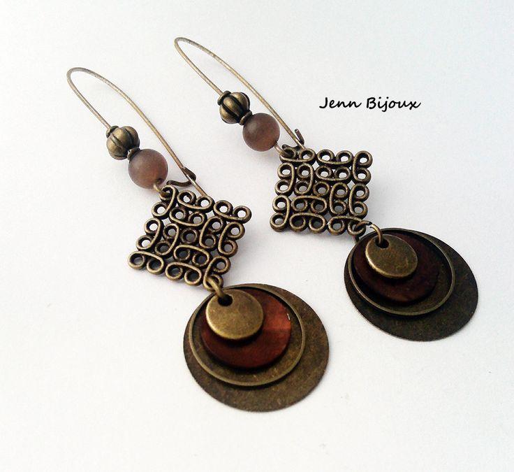 Boucles d'oreilles rétro bronze estampe , sequin rond, anneaux : Boucles d'oreille par jenn-bijoux-fait-main