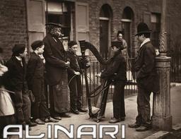 """Street life in London"": Italian street musicians"