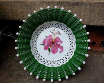 Vintage woven plastic green basket 70s retro floral pattern dish for keys etc. granny basket unusual funky bowl tray