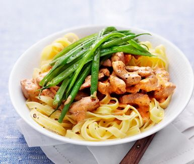 Recept: Krämig skinkgryta med gröna bönor