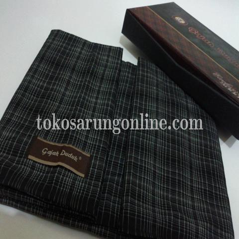 sarung gajah duduk http://tokosarungonline.com