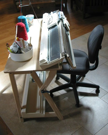MINI-Tilt table with mounted Brother KH-965i knitting machine and ribber