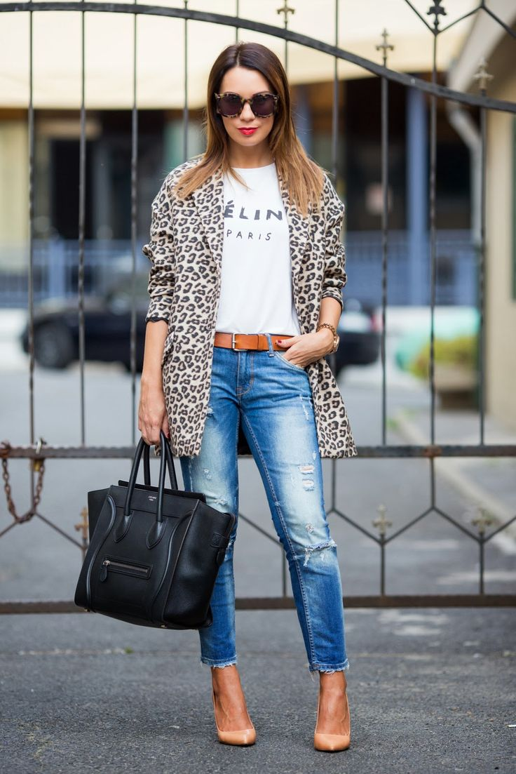 https://i.pinimg.com/736x/b7/ef/d8/b7efd8a1b217773cd228371f3d6030cc--t-shirt-outfits-denim-outfits.jpg