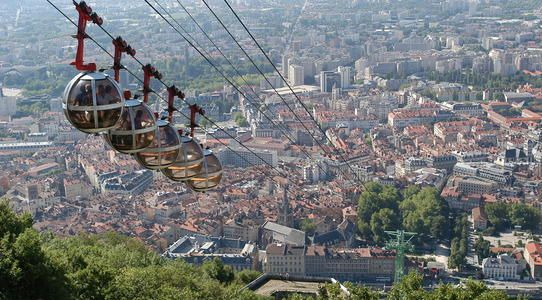 Vue de Grenoble depuis la Bastille © Ville de Grenoble