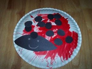 Paper plate ladybug craft... Let them be creative!