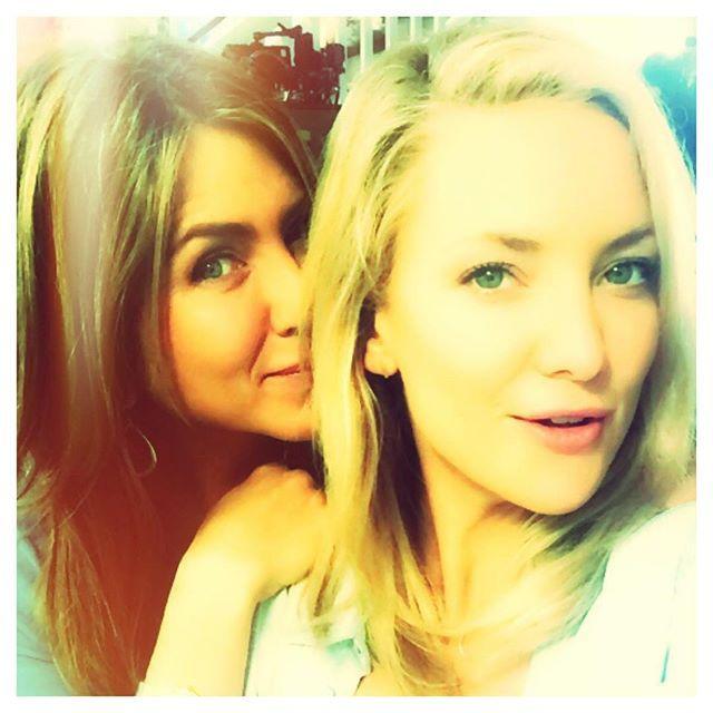Kate Hudson thinks Jennifer Aniston should join Instagram and we agree!