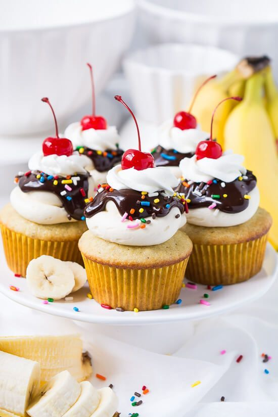 Banana Split Cupcakes | Handle the Heat